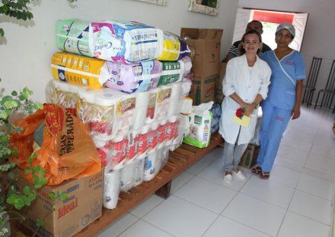 Fundação Antônio Jorge recebeu fraldas, material de limpeza, de higiene pessoal e leite em pó. (Foto de Genival Silva)