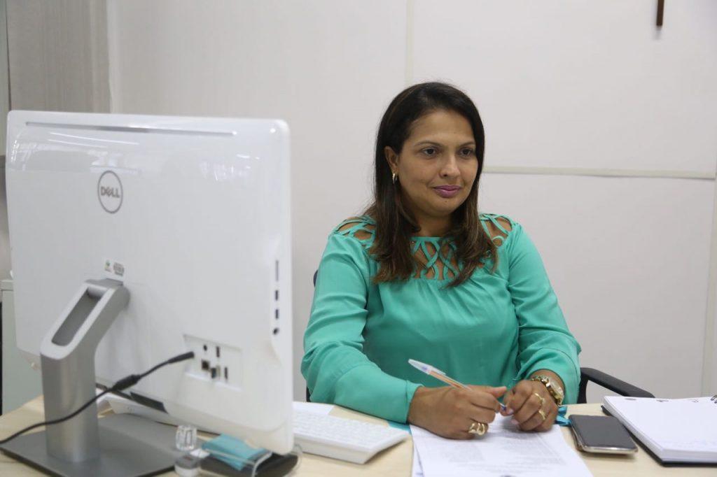 Secretária Municipal de Educação, Mônica Pessoa. (Foto de Lucas Ferreira)
