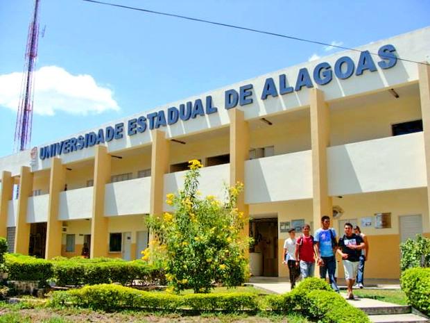 Objetos se encontram no setor de Achados e Perdidos da Universidade Estadual de Alagoas (Uneal)