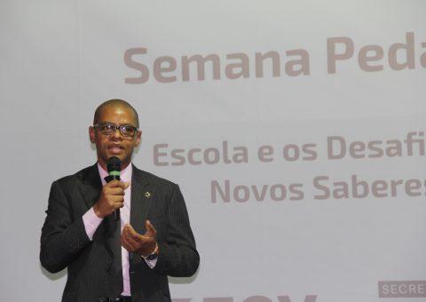 Ivan Cláudio, membro do Conselho Nacional de Educação (CNE), apresentou os conceitos da Base Nacional Comum Curricular