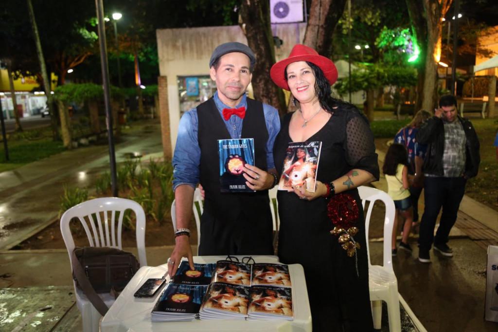 Kiliel e Lucivância lançaram seus livros na Fliara (Fotos: Genival Silva)